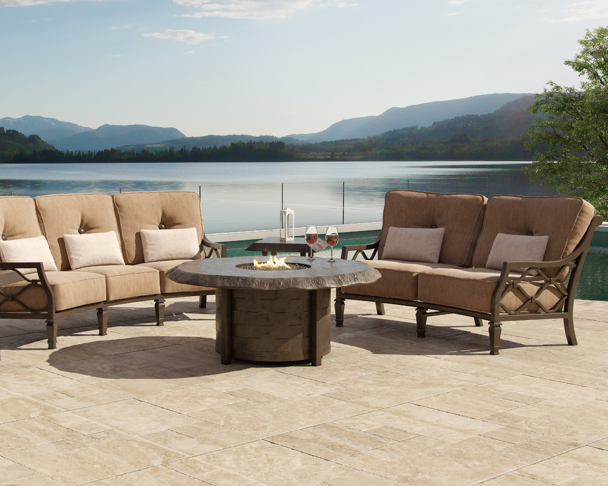 Villa-Bianca deep seating by Castelle